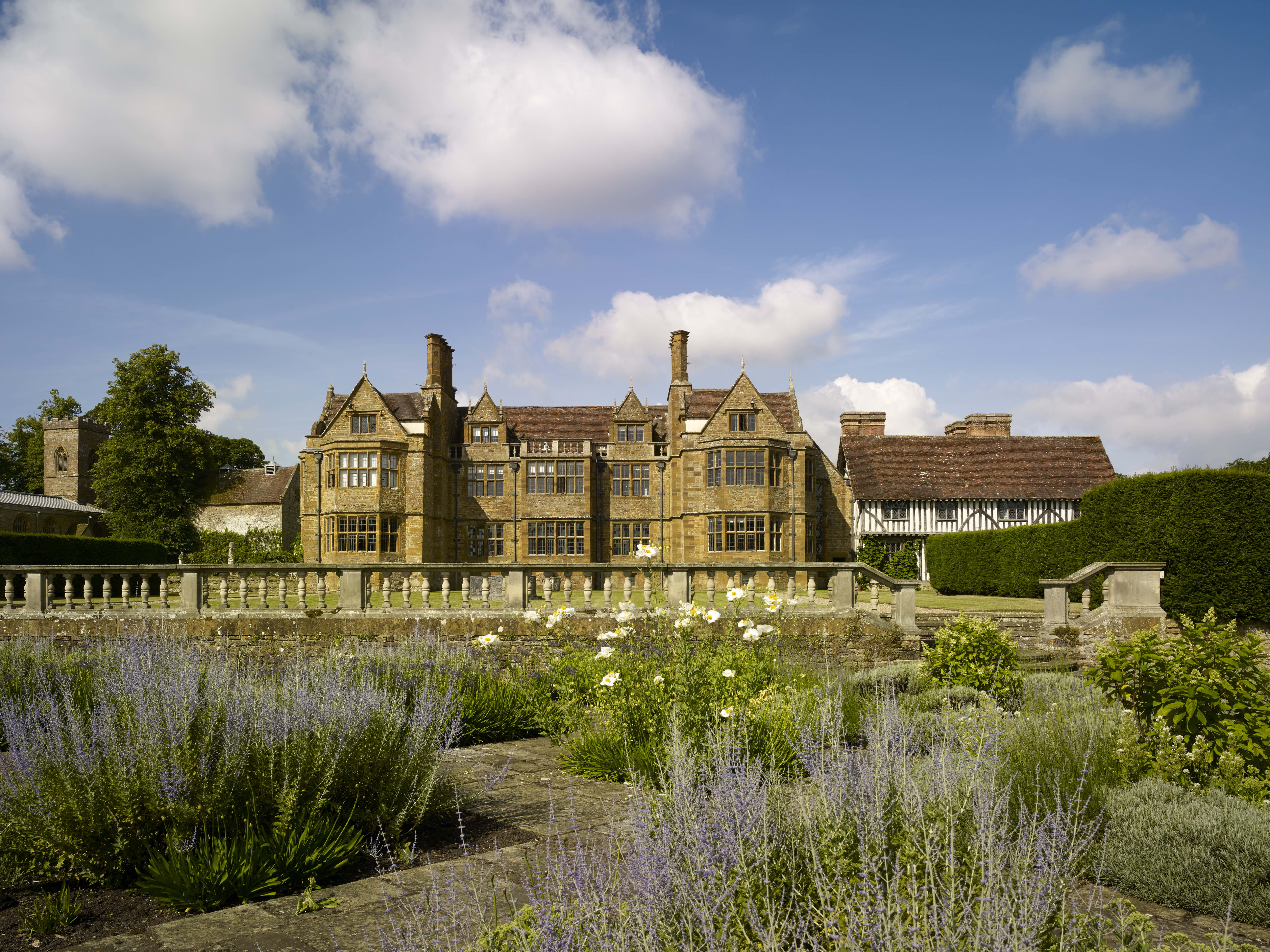 Sir Edwin Lutyens Country Houses of South West England